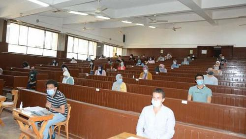 The Supreme Council of Universities discusses scenarios for the first semester exams on Saturday