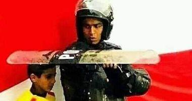 The truth about the image of the recruiter the child and the rain in a football match