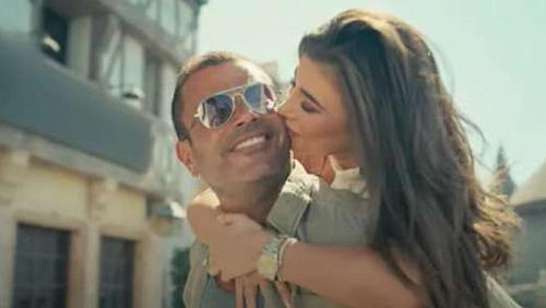 Engy Kiwan embraces and Models accept him Amr Diabs romances in his new advertisement