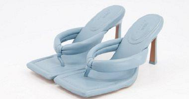The elastic shoes are supplied in the summer of 2021 from the stands for sandals